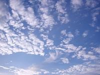 秋晴れの雲