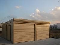 完成した車庫